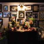 Foto storiche nel negozio della Pasticceria Castelnuovo