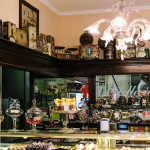 Interno del negozio della Pasticceria Castelnuovo